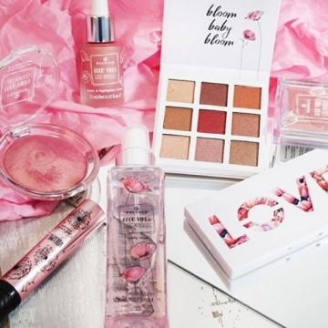 Mascara Essence good vibes good memories volume stylist curl & hold mascara 01
