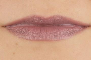 Ruj Essence ultra last instant colour lipstick 05
