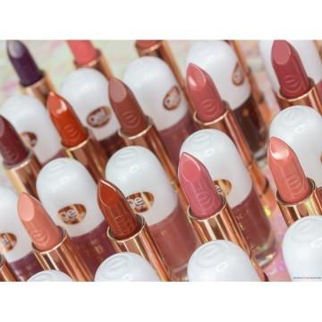 Ruj essence this is me. lipstick 11