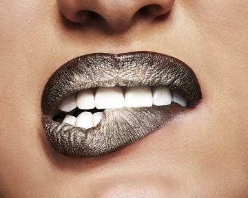 Kit pentru buze Maybelline New York Lip Python 10 Treacherous - 1.2 g ruj; 1.5 g fard metalizat