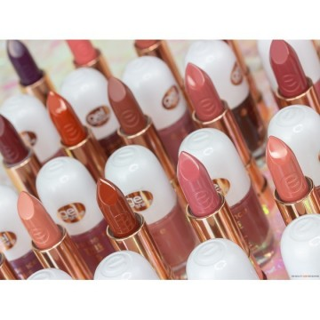 Ruj essence this is me. lipstick 15