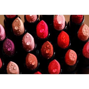 Ruj de buze RADIANT ADVANCED CARE LIPSTICK VELVET 17 RED – CLASSIC TRUE RED