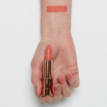 Ruj essence this is me. lipstick 01
