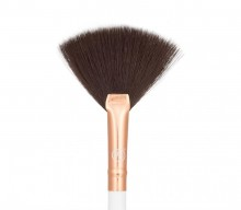 Pensula Boozy Cosmetics Rose Gold BoozyBrush 3400 Precision Fan Brush