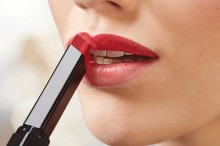 Ruj Catrice Ombré Two Tone Lipstick 060