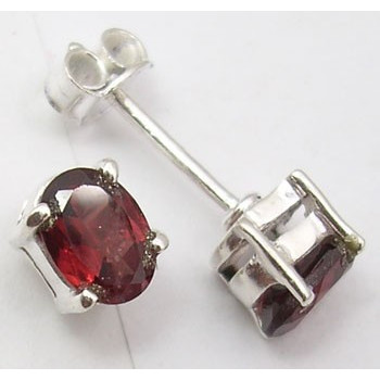 Cercei Argint cu Garnet (0,7 cm)