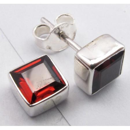 Poze Cercei Argint cu Garnet (0,7 cm)