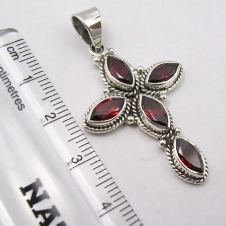 Pandantiv din Argint cu Garnet 4,4 cm