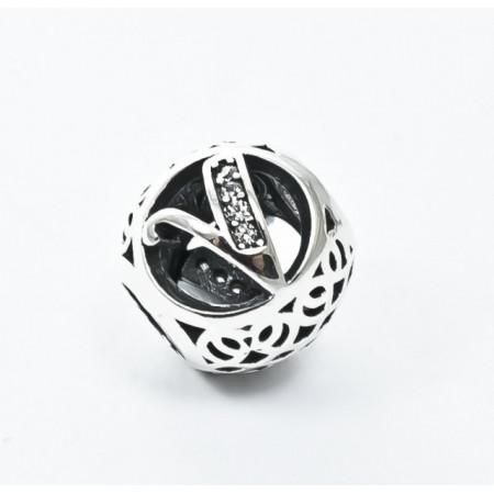 Talisman Argint 925 rodiat cu litera V si zirconiu- Simulated Diamond