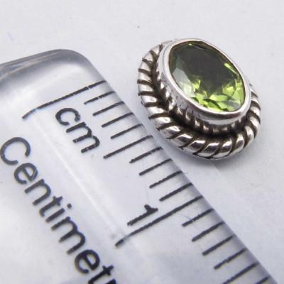 Cercei Argint 925 cu Peridot, 0.9 cm lungime