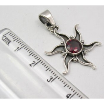 Pandantiv din Argint cu Garnet 3,5 cm