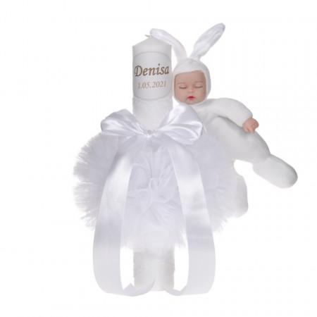 Lumanare botez personalizata, decor alb, diafan cu tul, dantela si o jucarie iepuras, Denikos® 729