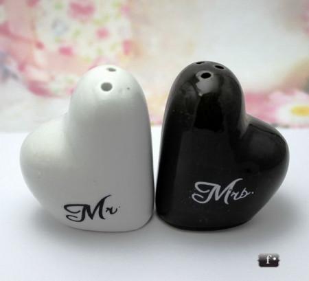 Set sare si piper inima alba si neagra MG015