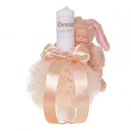 Lumanare botez personalizata, decor crem / ivoire cu tul, dantela si o jucarie iepuras, Denikos® 735