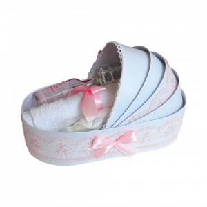 Trusou botez complet, in landou, decor elegant cu dantela roz Denikos® 145