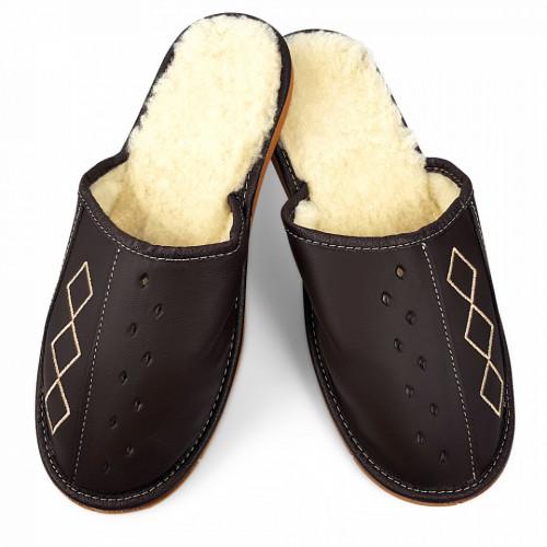 Papuci de Casa din Piele Imblaniti cu Lana de Oaie, Culoare Maro Model 'Geometric Aproch' Brown