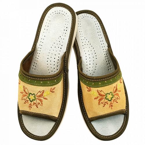 Papuci de Casa Dama din Piele Intoarsa, Sezon Vara, Culoare Crem, Model 'Achara Beauty'