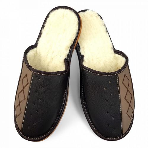 Papuci de Casa din Piele Imblaniti cu Lana de Oaie, Culoare Maro 'Geometric Aproch' Syncron