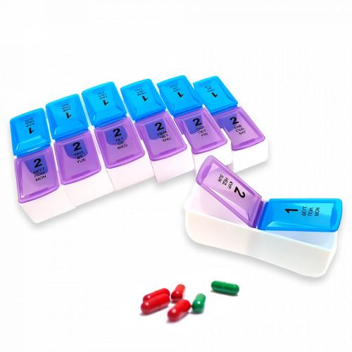 Aceasta cutie este compusa din 7 compartimente, cate unul pentru fiecare zi a saptamanii, fiecare prevazute cu alte 2 compartimente separate diferentiate de cifrele 1 si 2