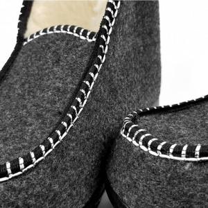 Ghete din Lana pentru Interior si Exterior Culoare Gri, Model 'Bucovina Simplicity'