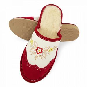 Papuci de Casa din Piele si Lana de Oaie Culoare Crem/Rosu Model 'London Brogue Inspire'