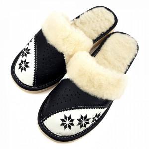 Papuci de Casa Dama Imblaniti cu Lana de Oaie Model 'Spirit of Winter' Black