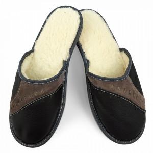 Papuci de Casa din Piele Imblaniti cu Lana de Oaie, Culoare Negru Model 'Perspective'