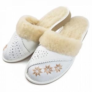 Papuci de Casa Dama Imblaniti cu Lana de Oaie Model 'Spirit of Winter' White