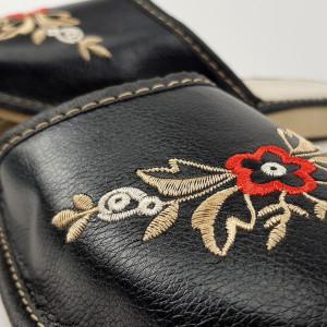 Papuci de Casa Dama, Material Piele, Culoare Negru, Model 'Mysterious Beauty'