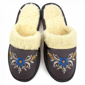 Papuci de Casa Dama Imblaniti cu Lana de Oaie Model 'Akna Rogue Gray' Winter