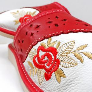 Papuci de Casa Dama Imblaniti cu Lana de Oaie Model 'Eden Rosa'
