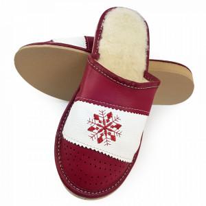 Papuci de Casa din Piele si Lana de Oaie Culoare Rosu Visiniu Model 'Suflet Pur'
