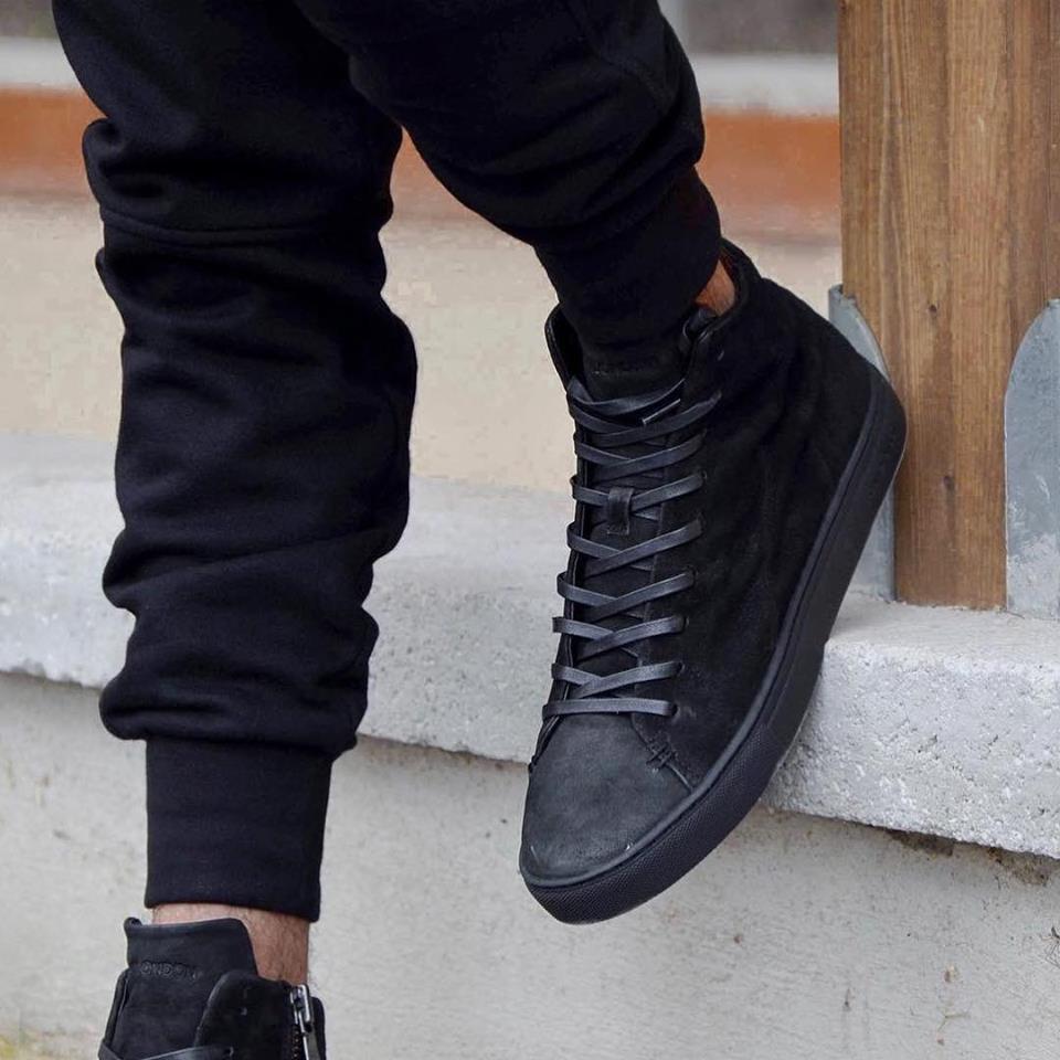 sneakers total black crime london