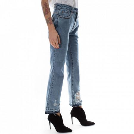 jeans-strappato-a-zampa