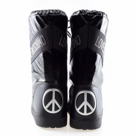 moschino-woman-moon-boots