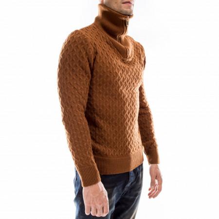 maglione-collo-alto-marrone