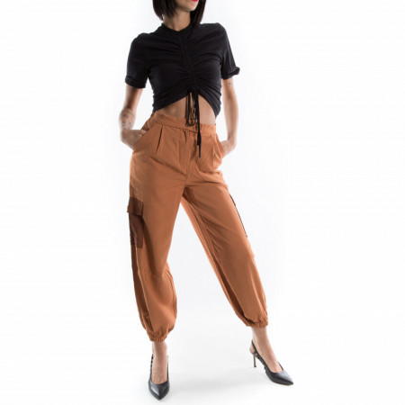 woman-elegant-cargo-pants