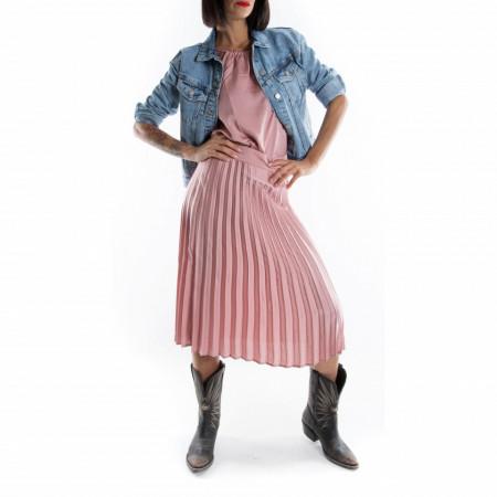 woman-denim-jacket