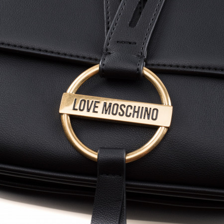 love-moschino-winter-bags-2020