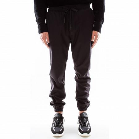 Outfit-pantalaccio-nero-uomo