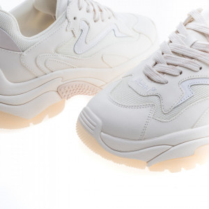 ash-addict-sneakers-running-woman
