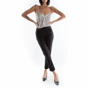 woman-black-classic-pants