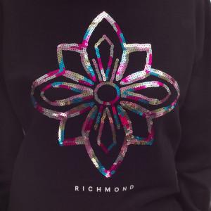 richmond-woman-summer-sweatshirt