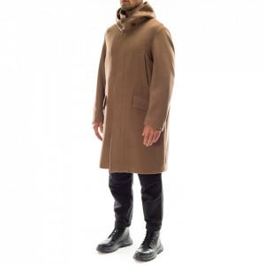 Outfit cappotto uomo color cammello