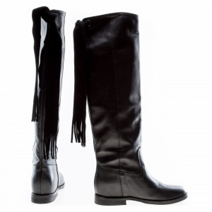 woman-high-leather-boots