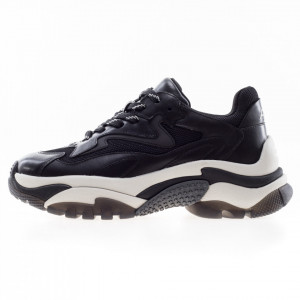 Ash Addict sneakers running nere