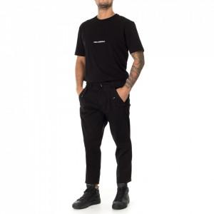 Outfit pantalone chino nero
