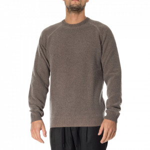Outfit brown wool man sweater