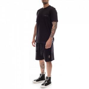 man-black-basic-t-shirt