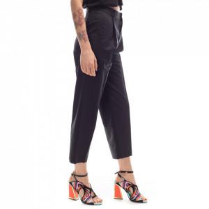 isabelle-blanche-pantaloni-neri